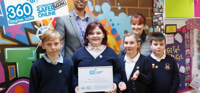 Bells Farm receive e-Safety award