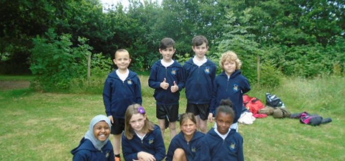 Year 5 take part in golf tournament