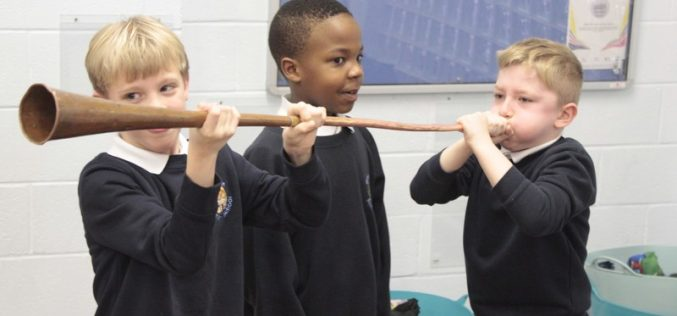 Photos: Year 3 visited the by History Man