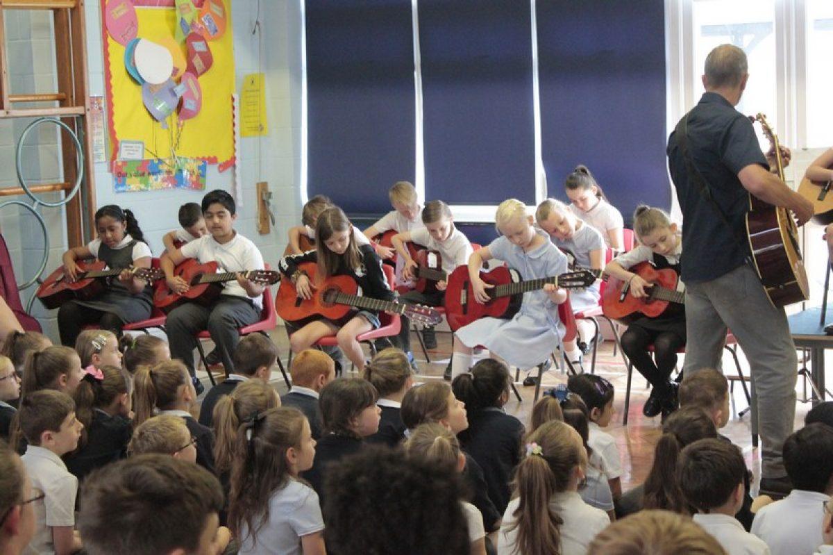 Choir and guitar music concert