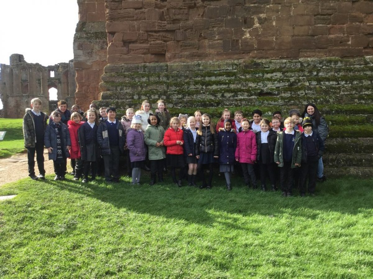 Year 5 visit Kenilworth Castle